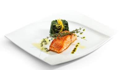 Baked salmon with creamed spinach