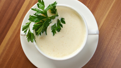 Cauliflower, Leek & Pistachio Soup