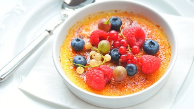 Creme Brulee with Marinated Fruits