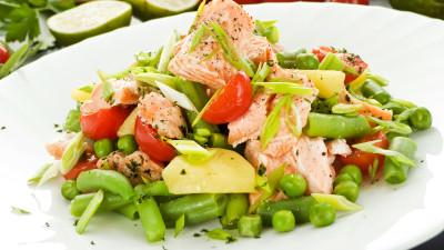 Spring salmon with minty veg