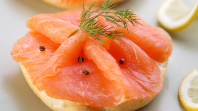 Smoked salmon with citrus dressing