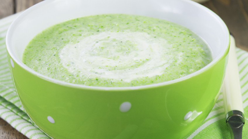 Broccoli soup with cream