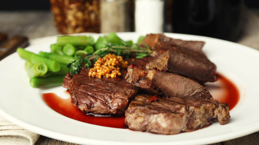 Seared Steaks with Red-Wine Cherry Sauce