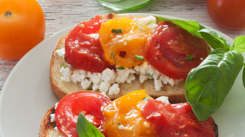 Toasts with tomatoes